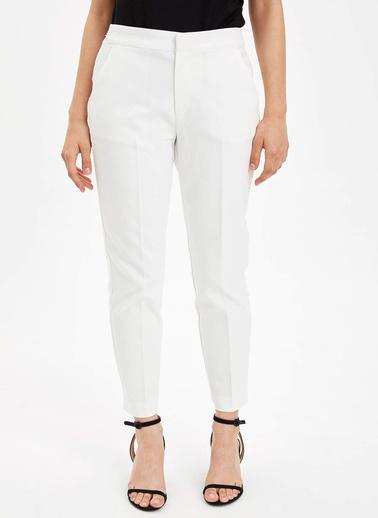 DeFacto Dokuma Pantolon Beyaz
